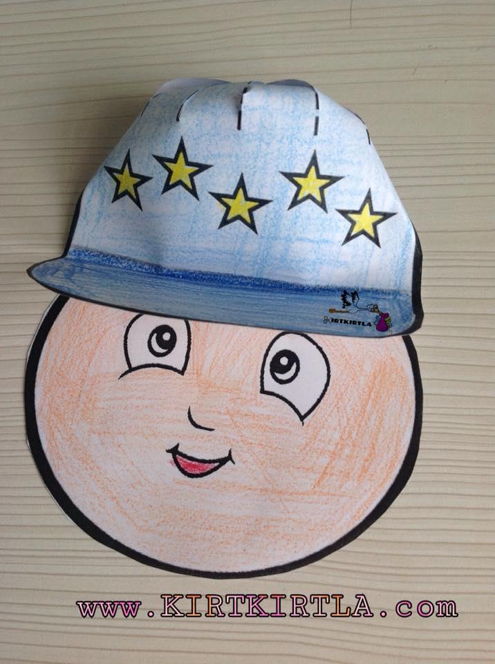 Şapkalı Erkek Çocuk