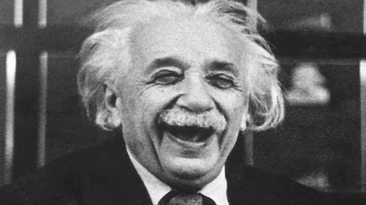 Einstein Ne Demiş?
